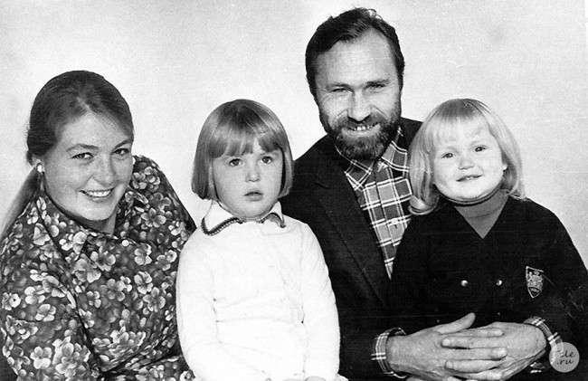 Звезды в семейном кругу. Редкие фото из домашних архивов