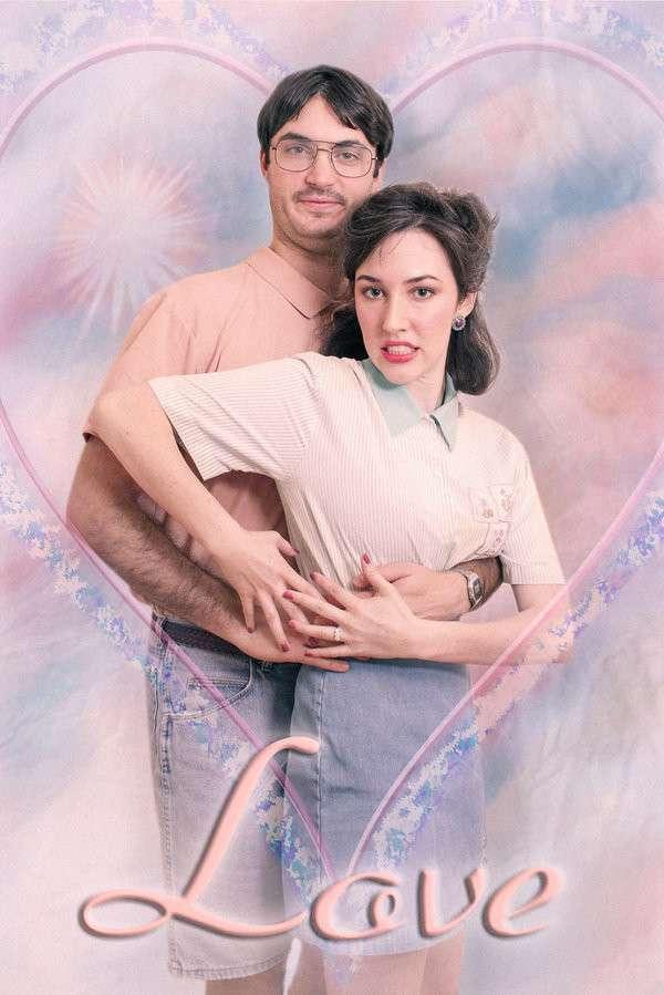 Влюблённые сделали предсвадебную фотосессию в стиле 80-х годов-9 фото-