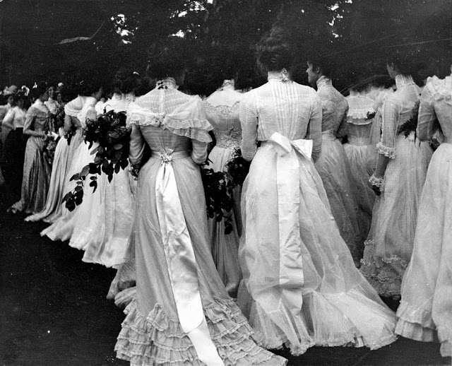 18 исторических фотографий, которые заставляют задуматься