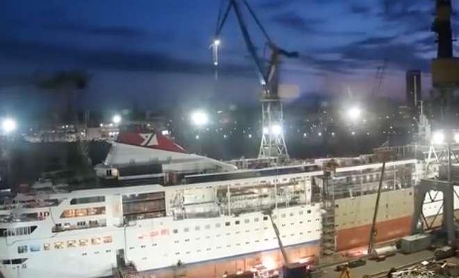 Сомалийские пираты перевоплощают лайнер в трансформер