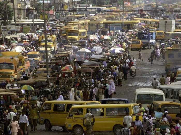 Впечатляющие автомобильные пробки мегаполисов