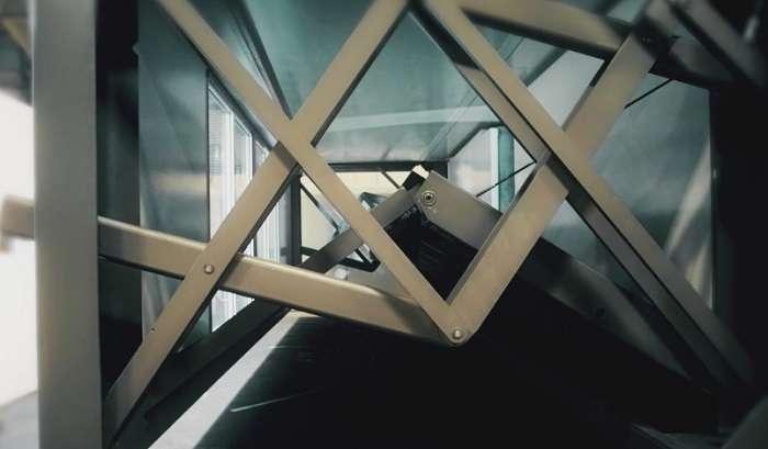 Дом-гармошка: в Британии поступил в продажу дом, который можно собрать за 10 минут и перевезти в машине