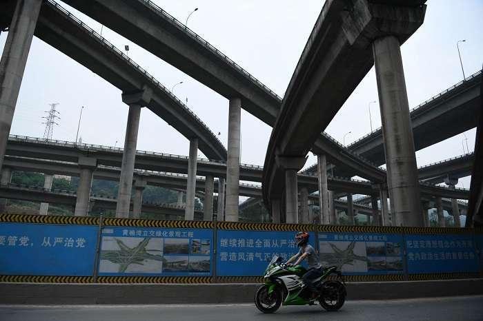 В Китае открыли многоуровневую эстакаду, один вид которой приводит в ужас даже опытных водителей