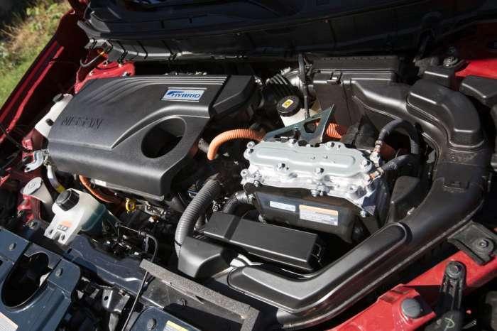 Nissan Rogue SL - новый компактный кроссовер-гибрид для всей семьи
