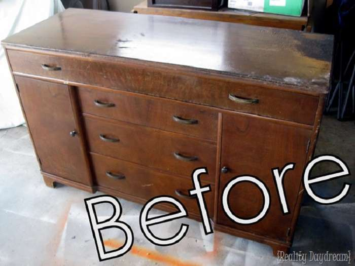 Девушка превратила старый комод в стильный предмет мебели за сущие копейки