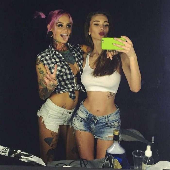 Девушки в шортах прекрасны (49 фото)