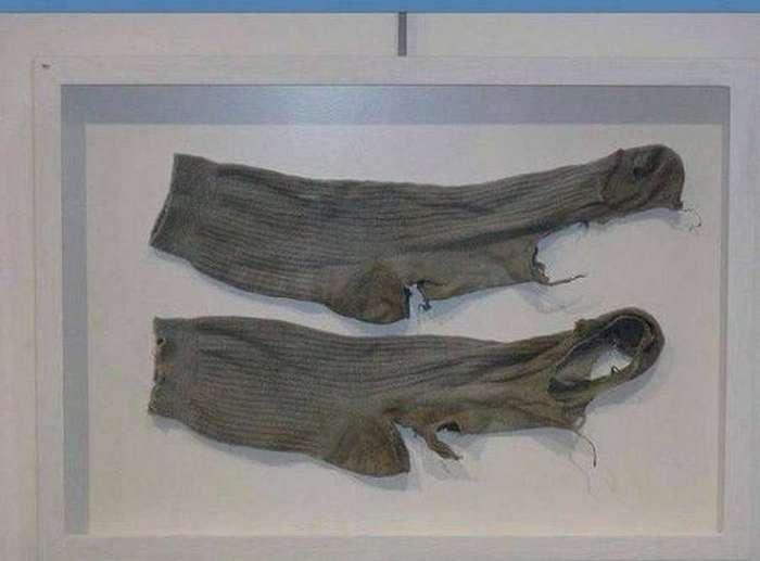 Полмиллиона за драные носки Виктора Цоя (3 фото)