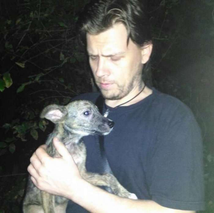 Мужчина в Ростове спас собаку от участи шашлыка (5 фото)
