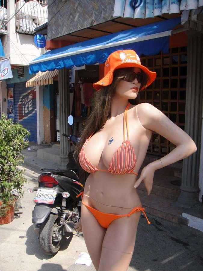 Самые правильные манекены в Венесуэле (7 фото)