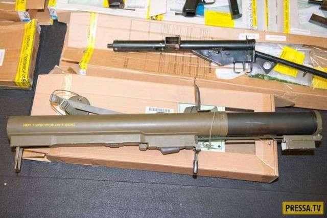 Склад оружия обнаружили в доме в графстве Суффолк, Великобритания (12 фото)