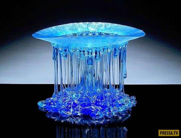 Эти стеклянные столики-медузы перевернут ваше представление о мебели! (18 фото)