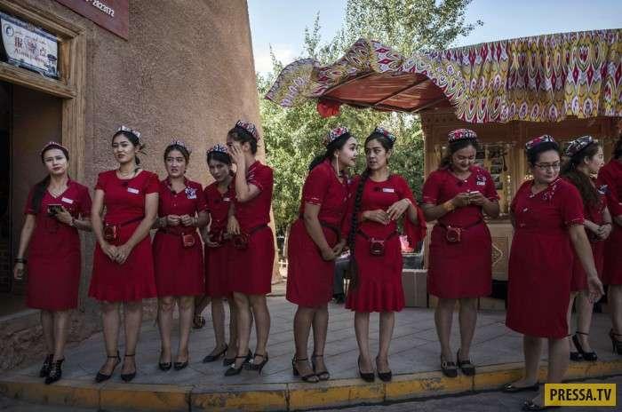 Интересные моменты жизни людей в Китае (30 фото)