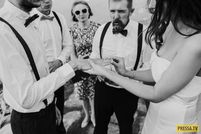 Пара решила не звать фотографа и вот, что из этого вышло (26 фото)