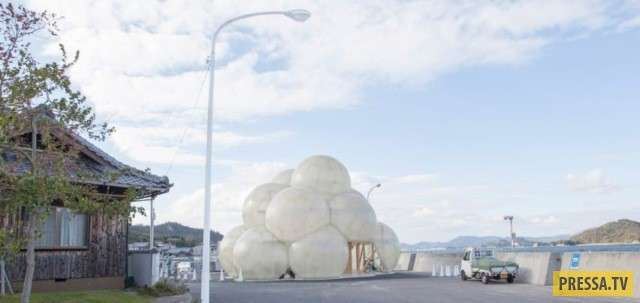 Новая достопримечательность в Японии (4 фото)