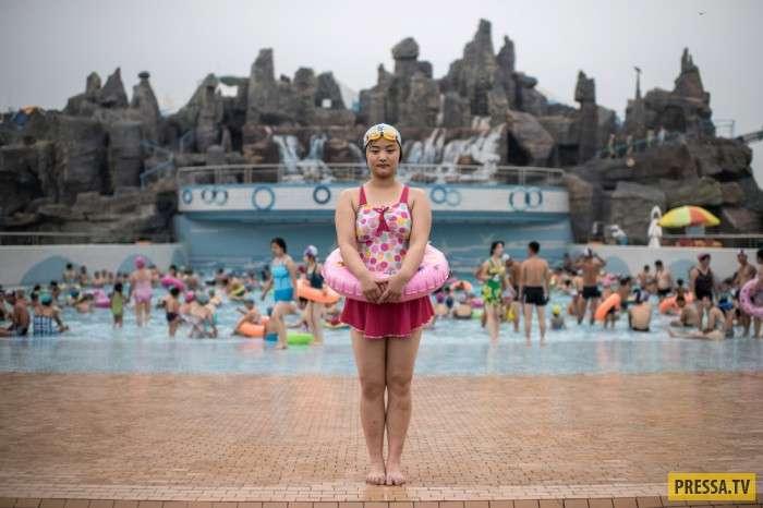 Повседневная жизнь людей в Северной Корее (36 фото)