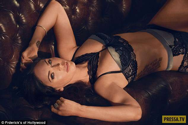 Меган Фокс показала чувственную фотосессию в кружевном белье (9 фото)