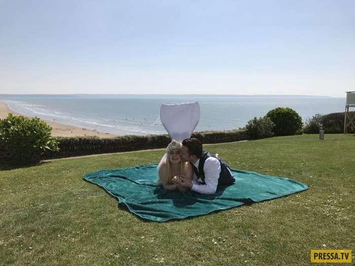 Мужчина женился на русалке (6 фото)