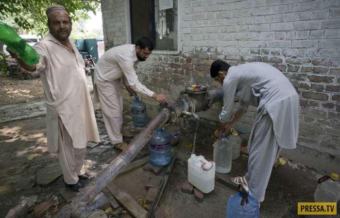 Повседневная жизнь людей в Пакистане (20 фото)