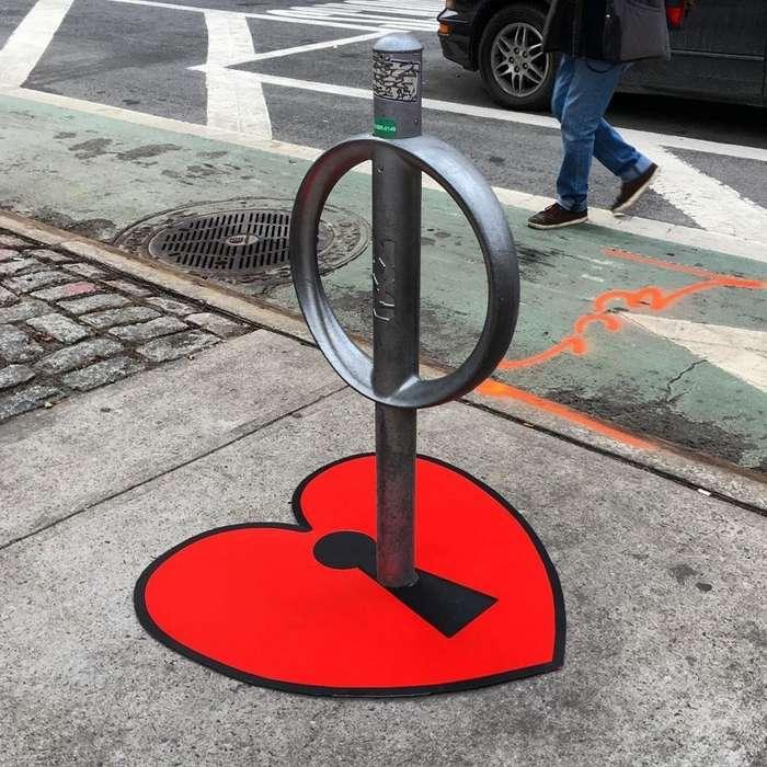 Уличный художник из Нью-Йорка делает из старья конфетку
