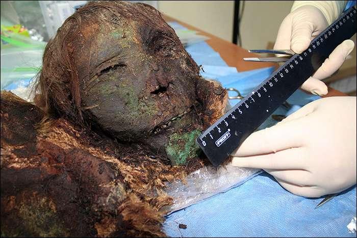 В России раскопали 900-летнюю мумию -полярной принцессы- и она просто поразительна-10 фото-