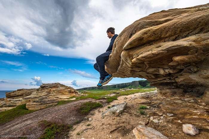 Берег рыжих камней-10 фото-