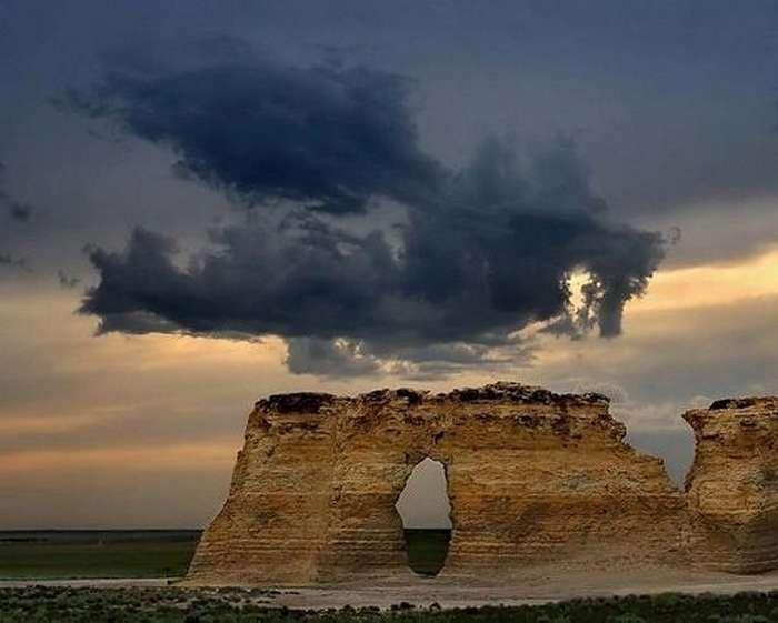Удивительные фигуры из облаков-21 фото-