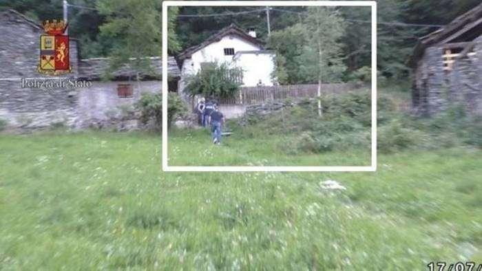 Парень похитил фотомодель, чтобы продать её на Интернет-аукционе-6 фото-