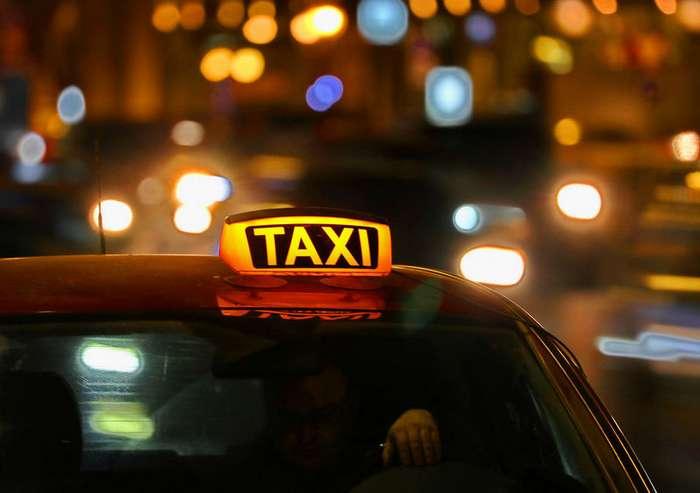 Таксист приехал на вызов грабивших его дом мужчин-2 фото-