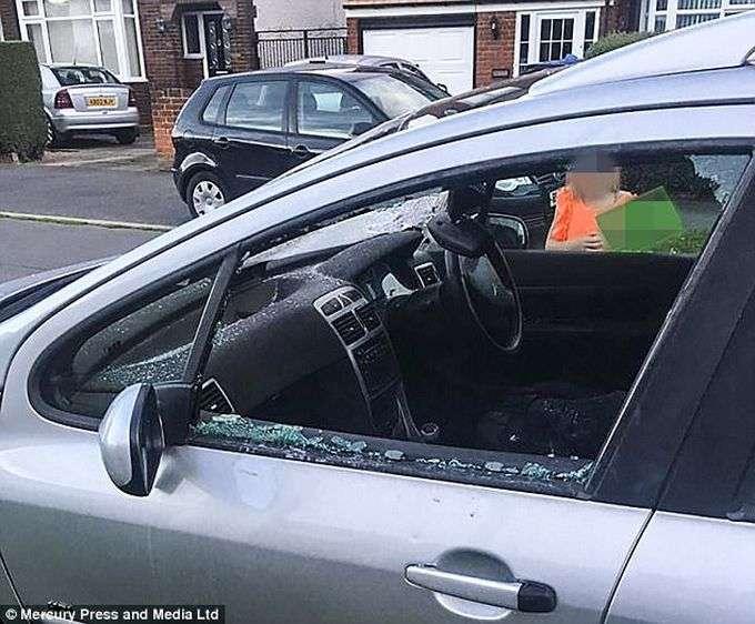 В Англии отомстили, любителям парковаться бесплатно возле аэропорта-12 фото-