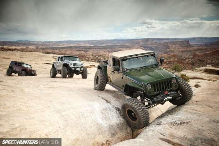 Jeep - мускулистый проходимец с двигателем от Корветта-20 фото-