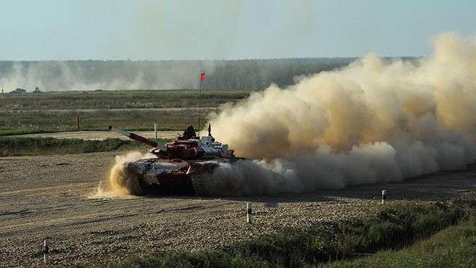 Россия одержала победу в -Танковом биатлоне--10 фото-