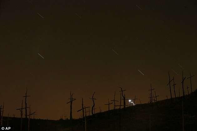 В субботу земляне увидели самый красивый звездопад года-7 фото-