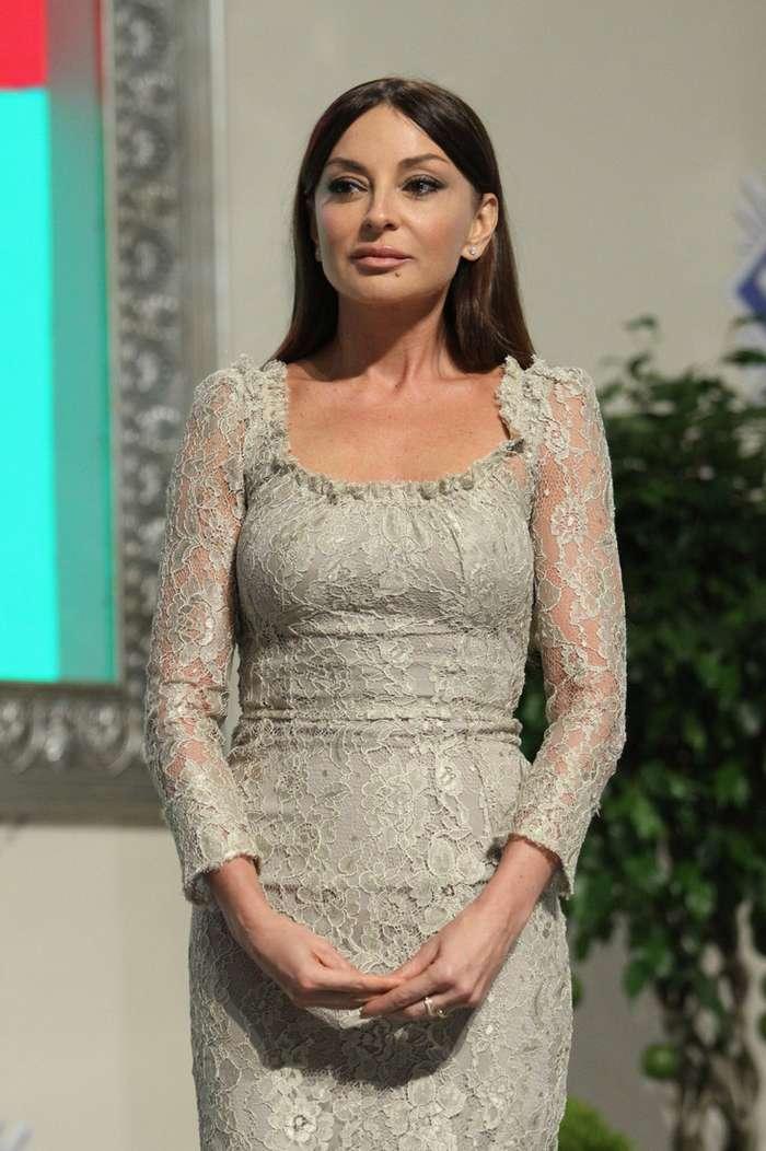 Первая леди Азербайджана настоящая икона стиля-18 фото-