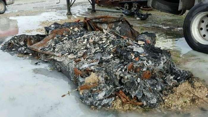 Куча пепла от Chevrolet Corvette на продажу-6 фото-