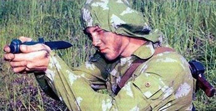Необычное оружие: стреляющий нож разведчика-7 фото-