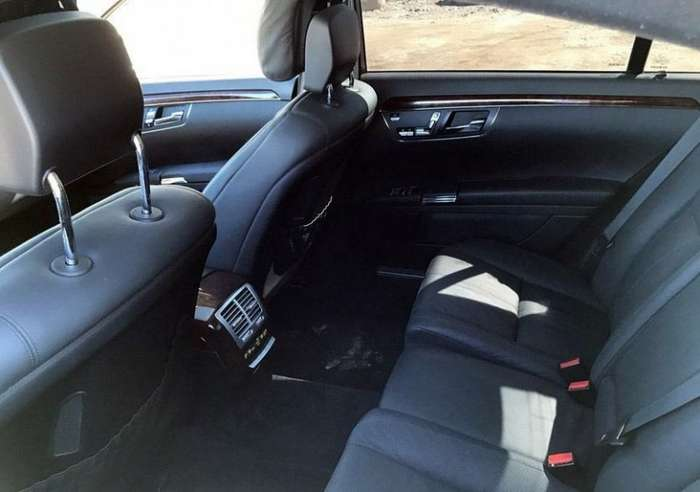Mercedes S-класса не совсем удачно превратили в Bentley Mulsanne-7 фото-
