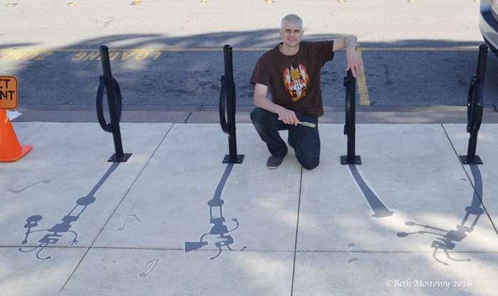 Художник сочетает тень, отбрасываемую различными уличными предметами-20 фото-