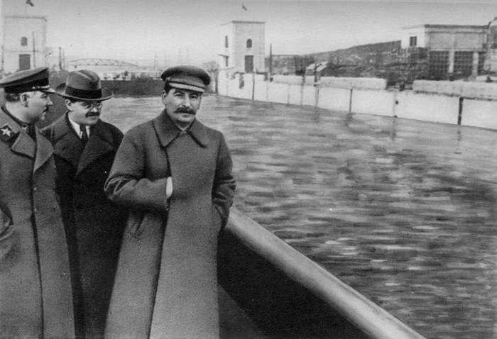 Задолго до фотошопа: искусство удаления людей с фотографий в СССР-16 фото-