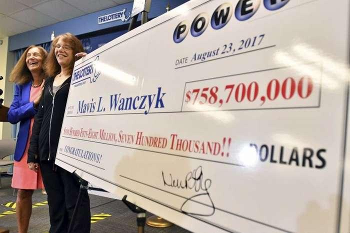 Она выиграла невероятные 758 миллионов долларов и тут же уволилась с работы-5 фото-