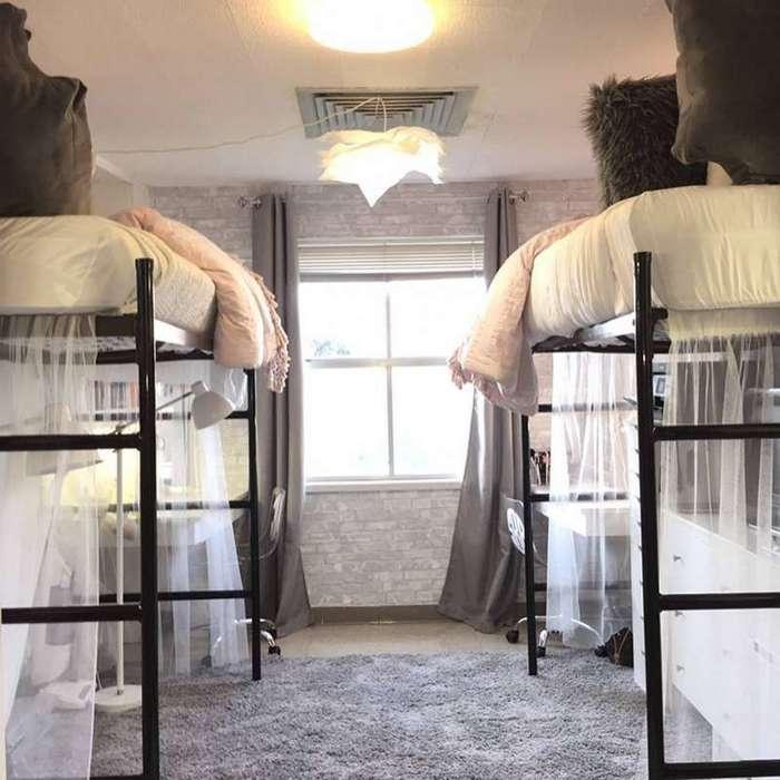 Вот как девушки обустроили комнату в общежитии — всего за 10 часов-11 фото-