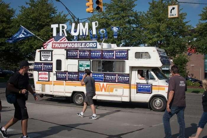 Woodward Dream Cruise - крупнейший автопробег в США-90 фото-