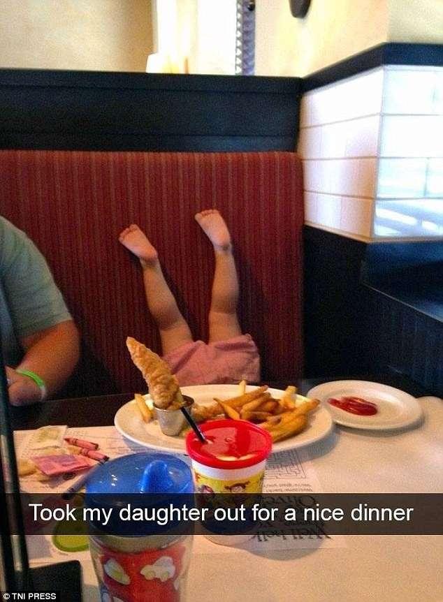 Ох, уж эти детки: родители делятся чумовыми проделками своих малышей в Snapchat-26 фото-
