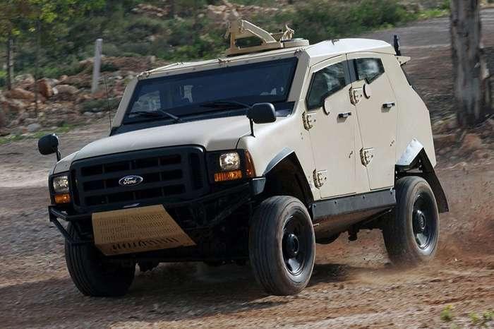 Гражданские машины, вдруг ставшие военными-14 фото-