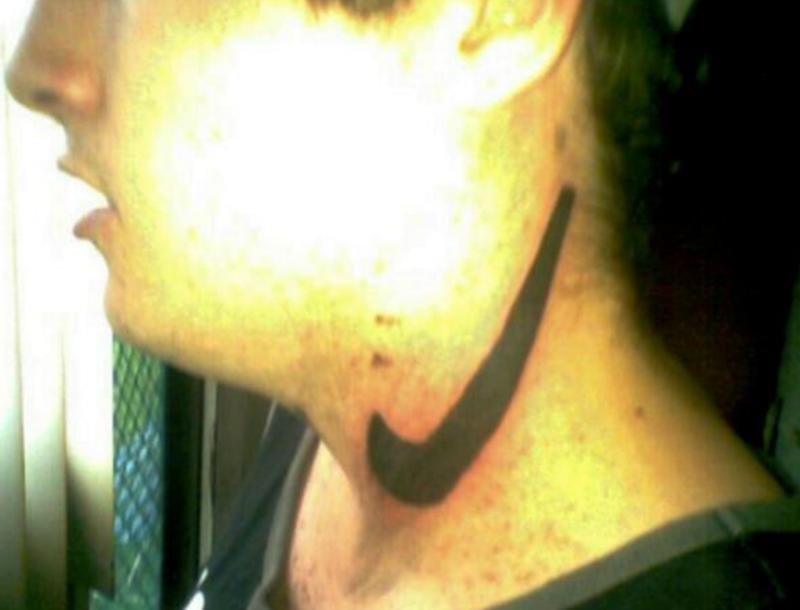 Безобразие: 20 самых нелепых татуировок-25 фото-
