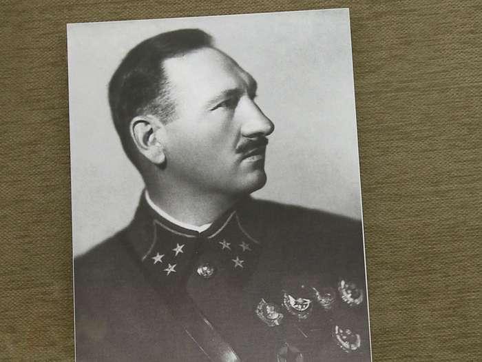 Михаил Ефремов: русский генерал, которого фашисты хоронили с почестями-1 фото + 1 видео-