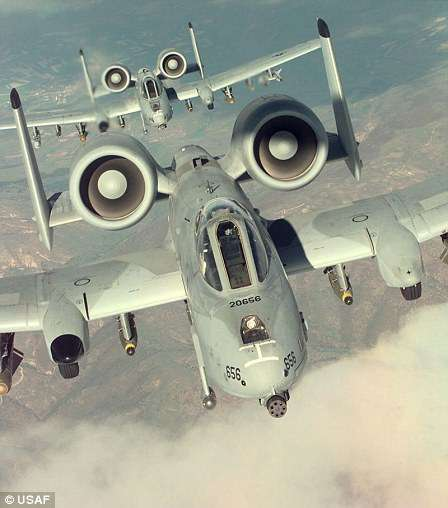 Впечатляющие снимки с заброшенной авиабазы в английском графстве Саффолк-16 фото-