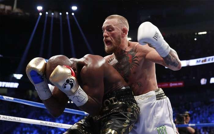 Как легендарный бой Макгрегора и Мейвезера превратился в шоу и чистый бизнес: реакция соцсетей-24 фото-