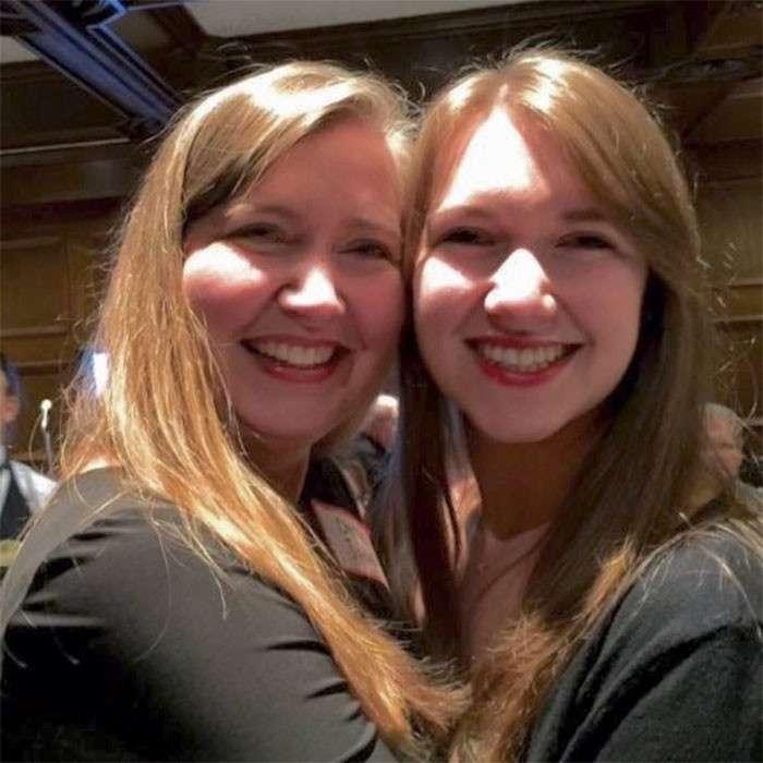 38 сногсшибательных матерей, которые выглядят на один возраст со своими дочками-39 фото-