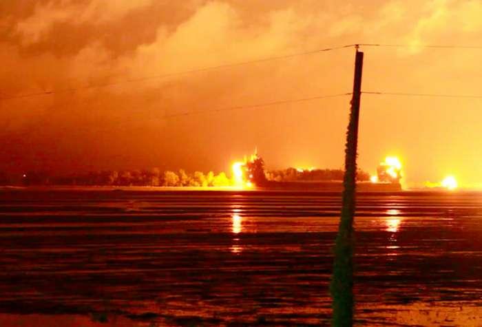 Красный уровень опасности в фотографиях-28 фото-