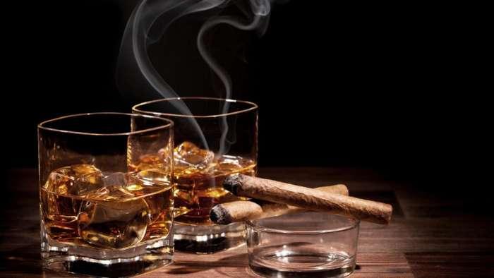 Компания ищет сотрудника, который будет пить виски и путешествовать